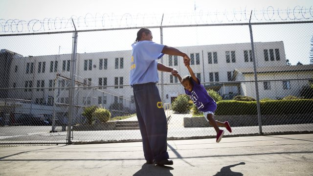 father-in-prison-and-child